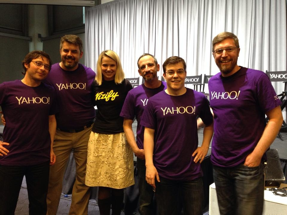 I just lost a bet: we were able to get Yahoo's CEO to wear a Vizify t-shirt. I guess Jason Blackheart's logo design meets the most demanding fashion standards!
